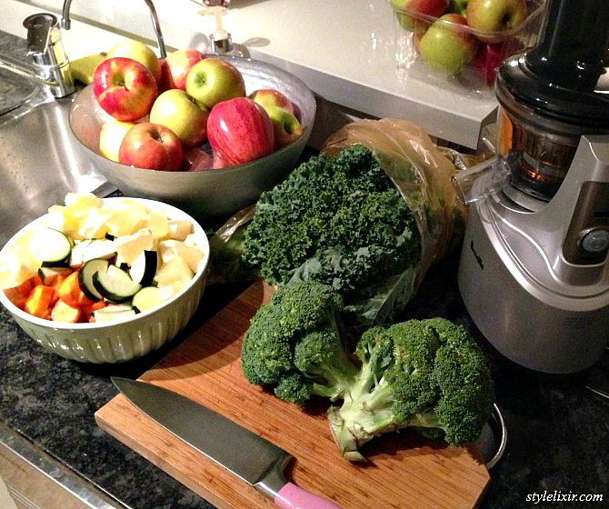 Fresh Juicer Recipe Ideas Review Juicers Vegetable Fruit Juice Kale Recipe Brocolli Carrot Apple Ginger Cucumber Mint Lemon Clean Healthy Fitness Ideas Juice