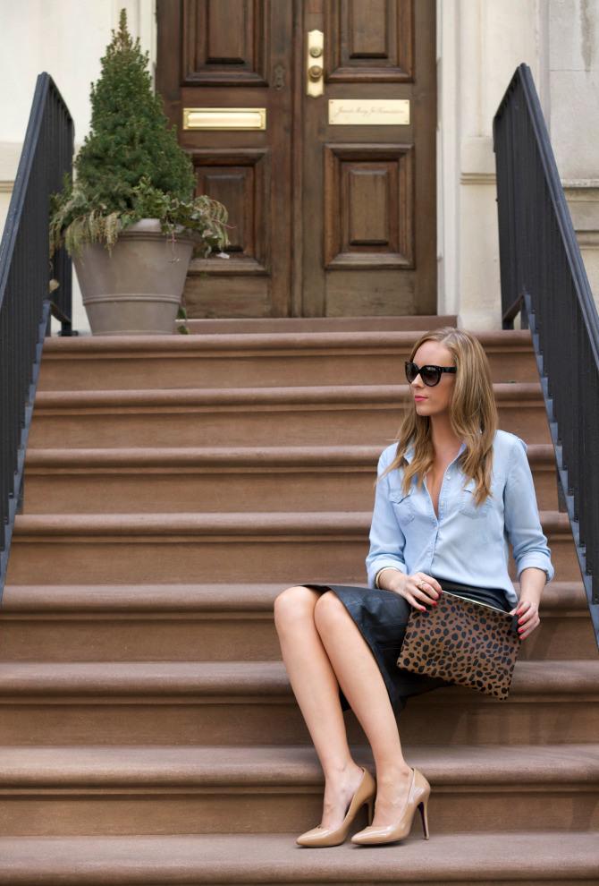 new york fashion blogger chambray leather skirt laepard clutch style elixir lauren slade
