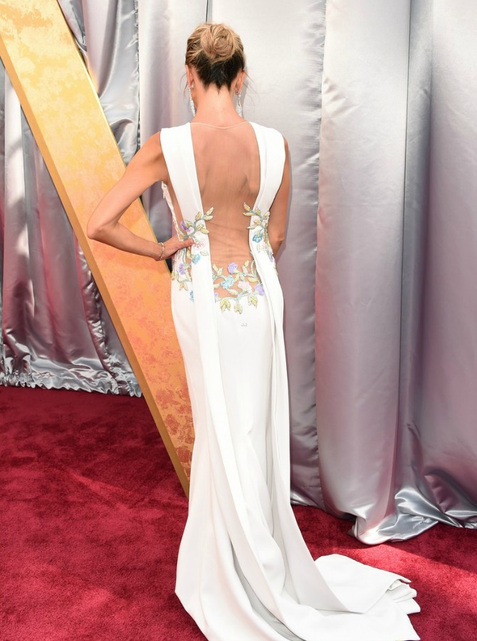 giuliana-rancic-red-carpet- 2016 Oscars Best Dressed
