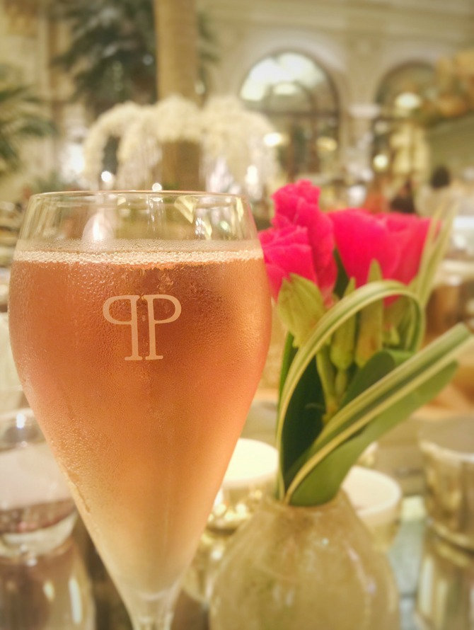 moet rose champagne the plaza champagne afternoon tea hotel high tea new york luxury leading hotels nyc
