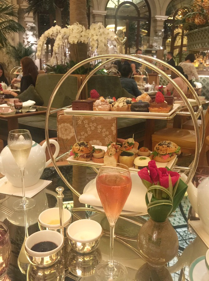 plaza hotel champagne afternoon tea lauren slade travel blogger fashion blog luxury hotels review