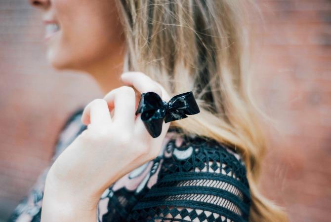 lk-bennett-efina-lace-dress-kate-middleton-dress-nyfw-outfit-fashion-blogger-lauren-slade-style-elixir-blog-little-black-dress-6