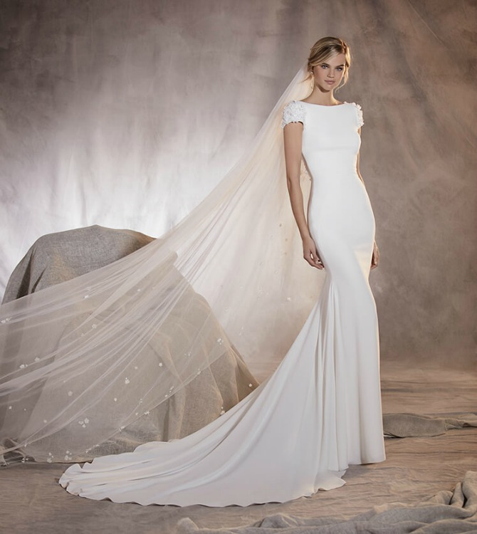 Cheap Wedding Dresses Fast Shipping 10 Epic pronovia agua wedding dress
