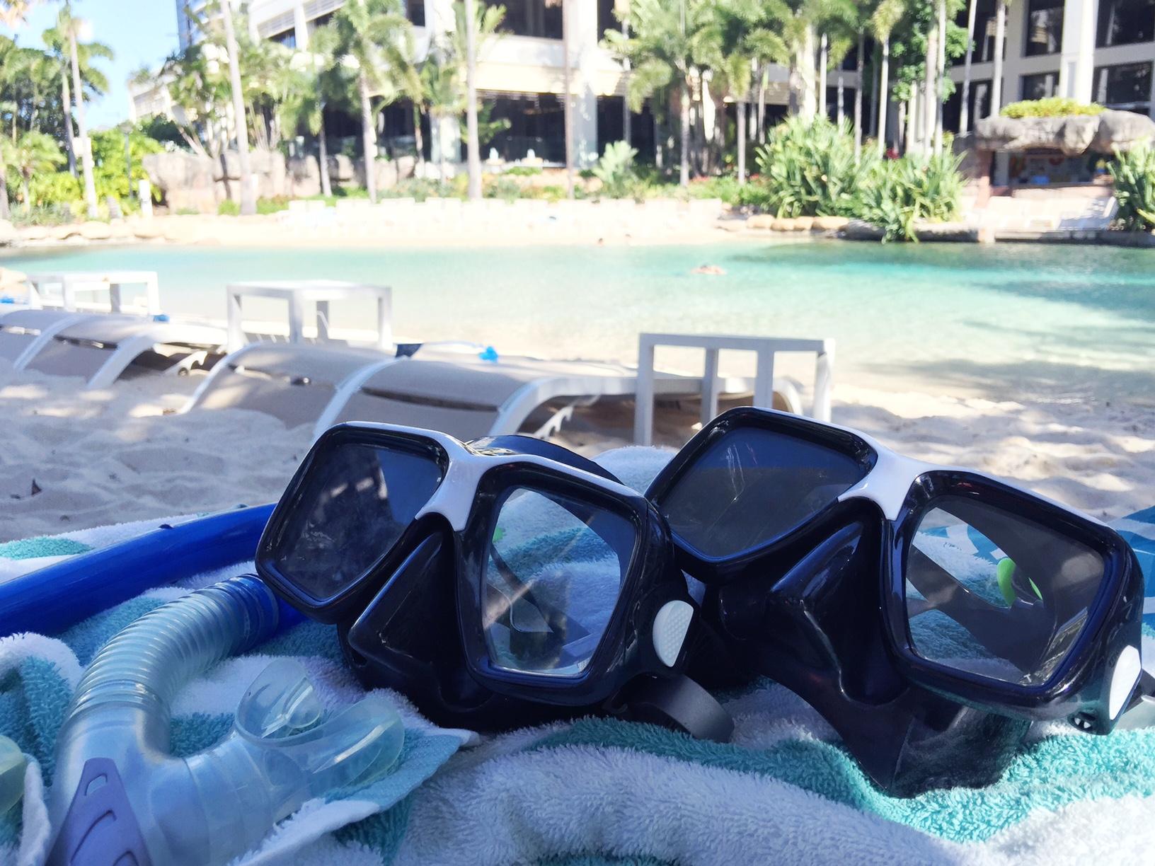 surfers paradise marriott resort and spa gold coast australia beach honeymoon romantic couples holiday luxury vacation hotel review marriott pool snorkeling beach cabana