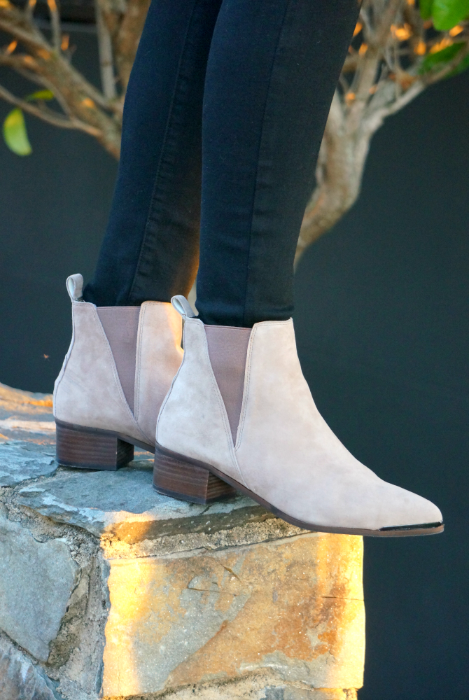chanel-handbag-review-steve-madden-booties-best-winter-boots-light-coloured-booties