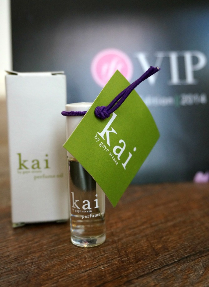 2 Fab Fit Fun Spring VIP Box 2014 Giuliana Rancic Celebrity Favorite Perfume Kai Kale Chips Health Fitness Fashion Style Elixir Lifestyle Blog Blogger