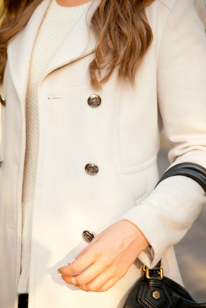 Perfect womens cream coat for winter fashion blogger style elixir lauren slade blog