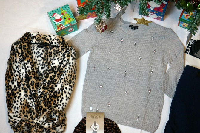 Items Close Up1 Christmas Shopping: Last Minute Gift Ideas   All Under $30