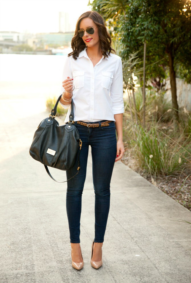 White shirt and jeans outfit ideas leopard belt marc jacobs fran bag