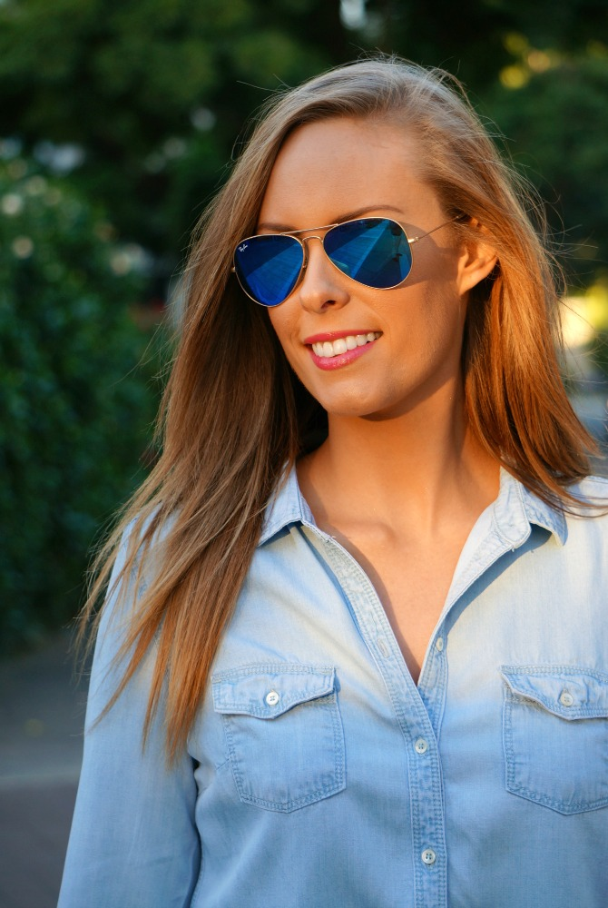 jcrew chambray shirt white jeans blue mirror rayban aviator sunglasses leopard belt lauren slade fashion blogger style elixir rayban giveaway sweepstakes