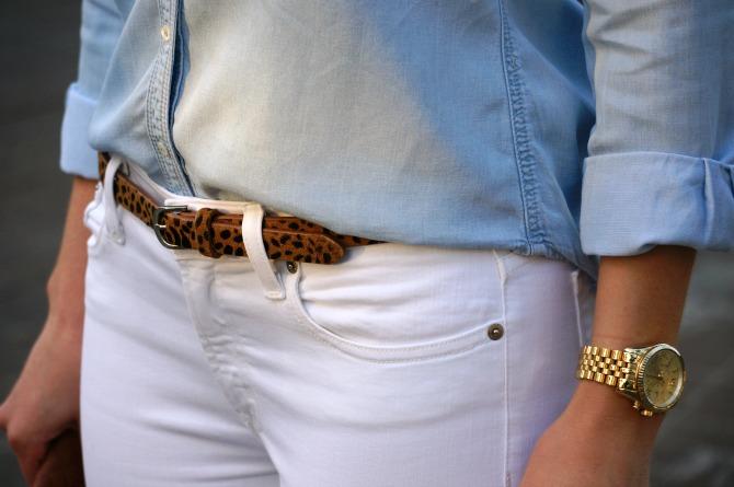jcrew chambray shirt white jeans blue mirror rayban aviator sunglasses leopard belt lauren slade fashion blogger style elixir rayban giveaway sweepstakes