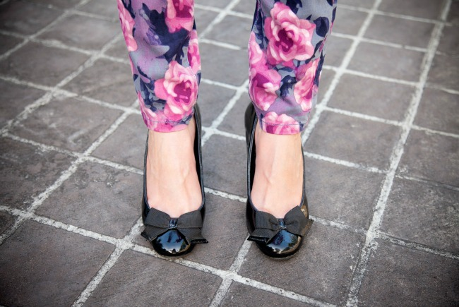 how to style wear floral jeans style elixir blog lauren slade new york blogger