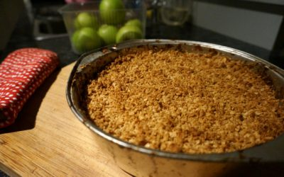 My Quick And Easy Healthy Apple Crumble Recipe