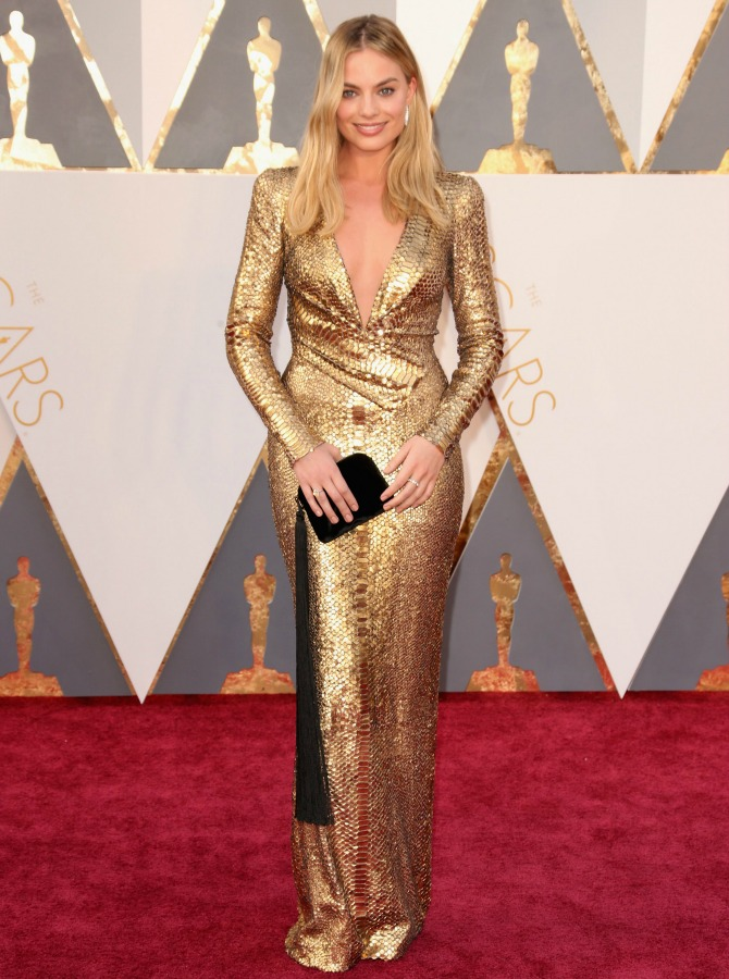 margot-robbie-red-carpet 2016 oscars best dressed