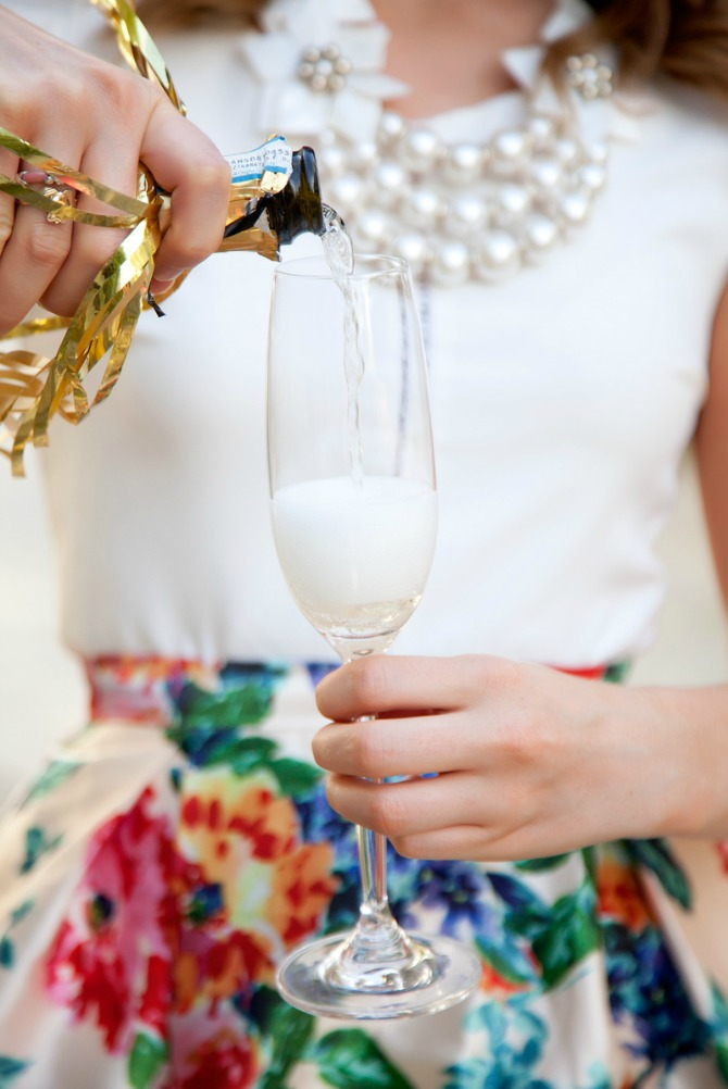 DATE NIGHT OUTFIT idea fit and flare floral skirt feminine fashion champagne