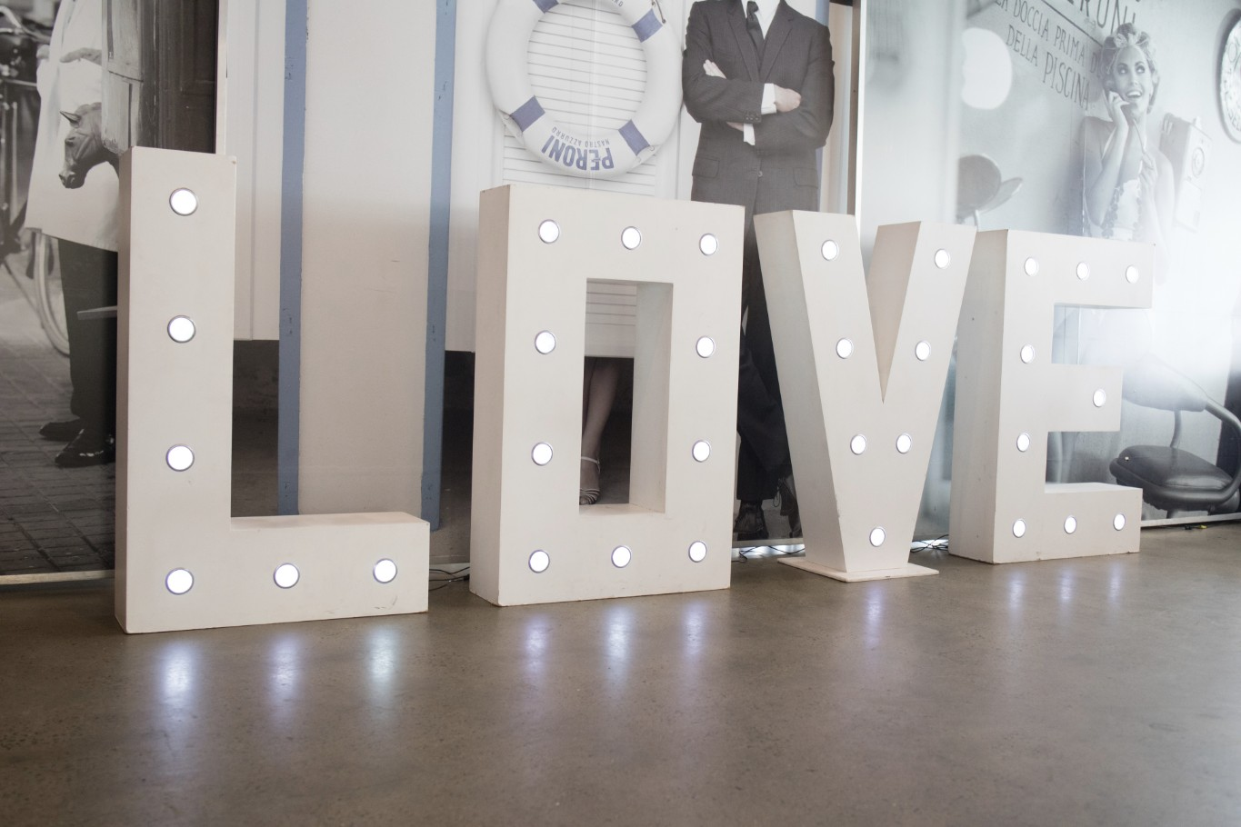 wedding reception styling love lights letters wow weddings brisbane wedding flowers on table