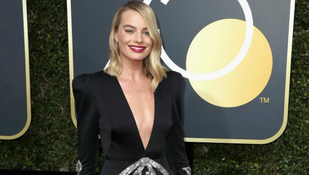 Style Sessions: Golden Globes Fashion – Hollywood Blackout