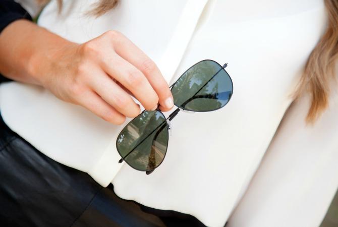 Black leather skirt monochrome black and white color block blouse ray ban aviator sunglasses marc jacobs handbag fashion blogger style elixir www.stylelixir.com lauren slade blog