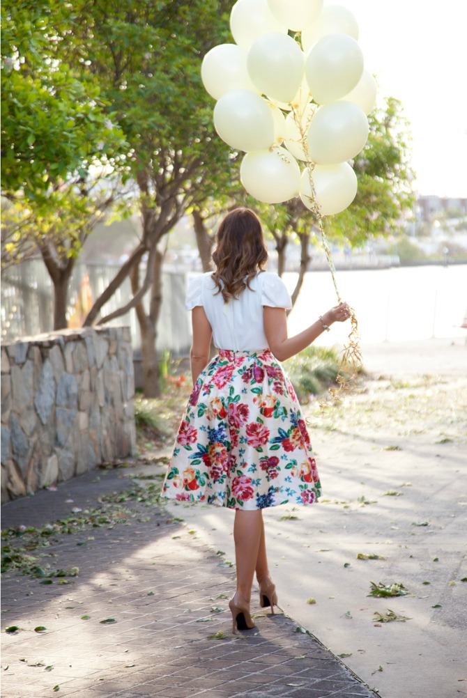 30th birthday celebrations floral midi skirt pretty balloons ivory balloons on gold strings ghd curls patent neutral nude heels fashion blogger style elixir www.stylelixir.com blog lauren slade