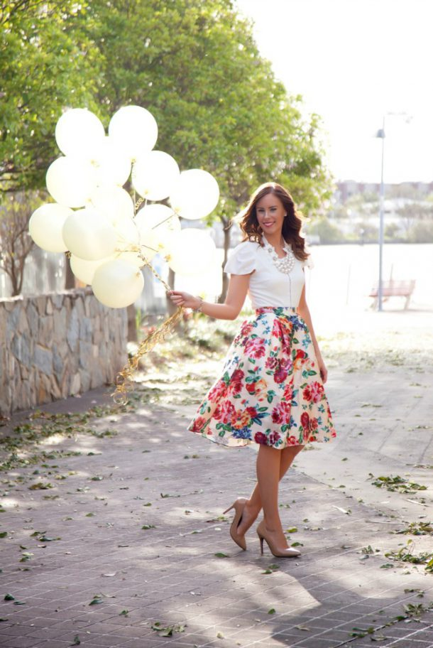 gold and white balloons floral skirt pretty birthday photos fashion blogger lauren slade style elixir blog