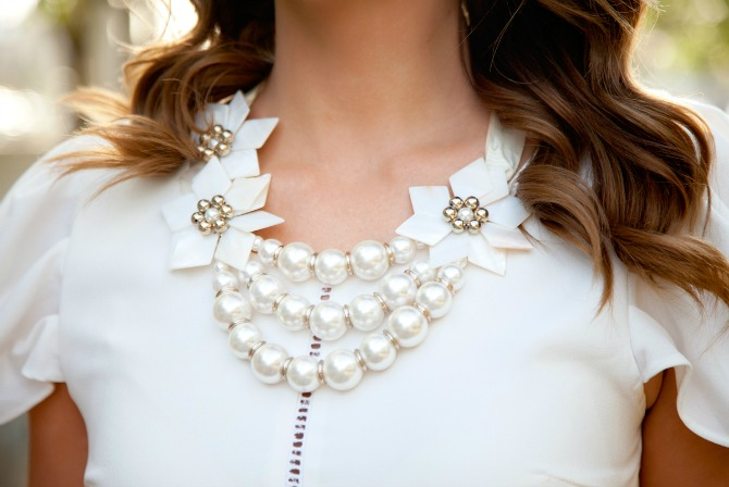DATE NIGHT OUTFIT idea fit cream blouse with pearl statement necklace feminine fashion