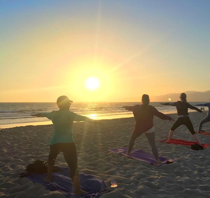 sunset-yoga-with-brad-santa-monica-beach-los-angeles wear it to heart yoga pants