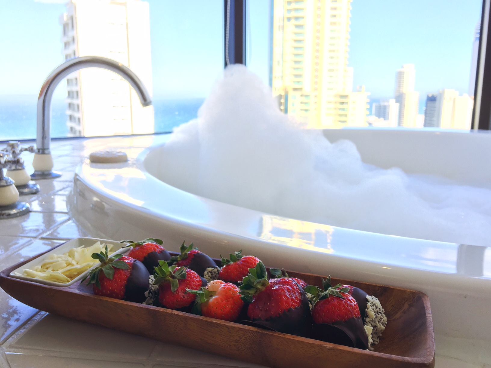 chocolate covered strawberries surfers paradise marriott resort and spa gold coast australia beach honeymoon romantic couples holiday luxury vacation