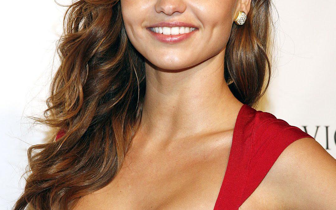 Celebrity Style: Ten Bizarre Beauty Secrets of Glam Stars