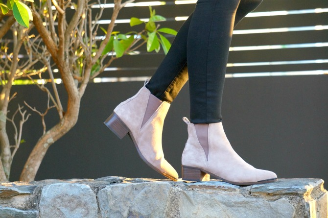 4-steve-madden-anella-booties-sandstone-how-to-wear-light-leather-boots | Steven Madden booties and new Chanel handbag featured by popular US fashion blogger, Style Elixir
