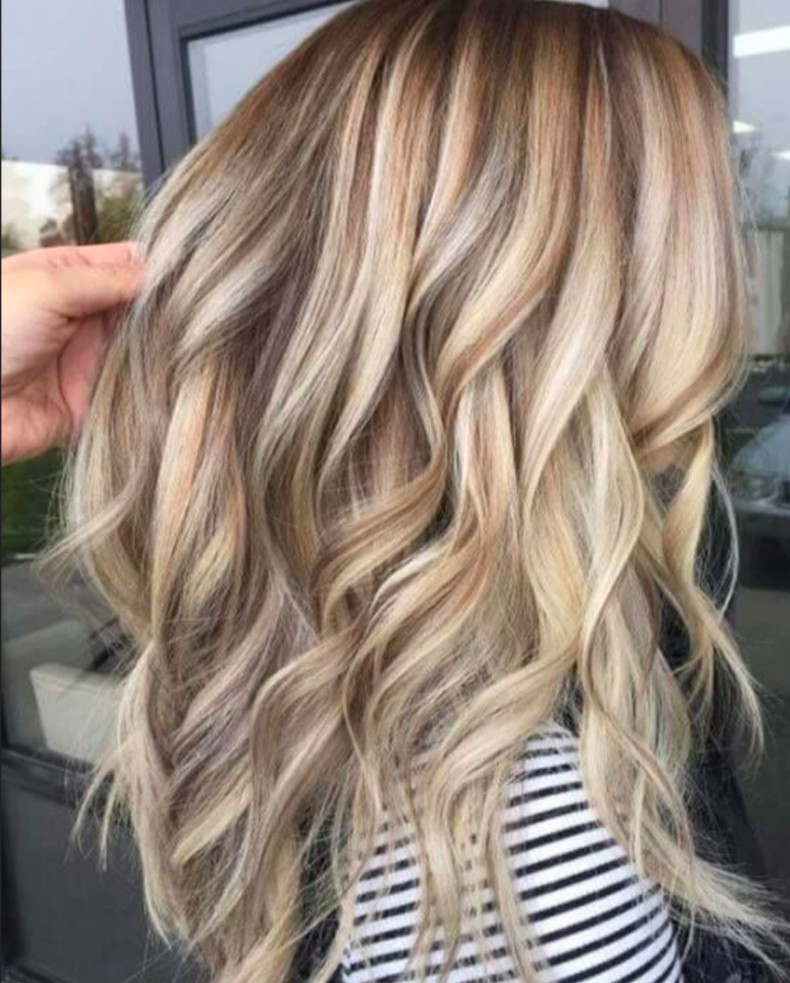 Blonde Hair Color Ideas Amber Fillerup blogger hair style 2 4