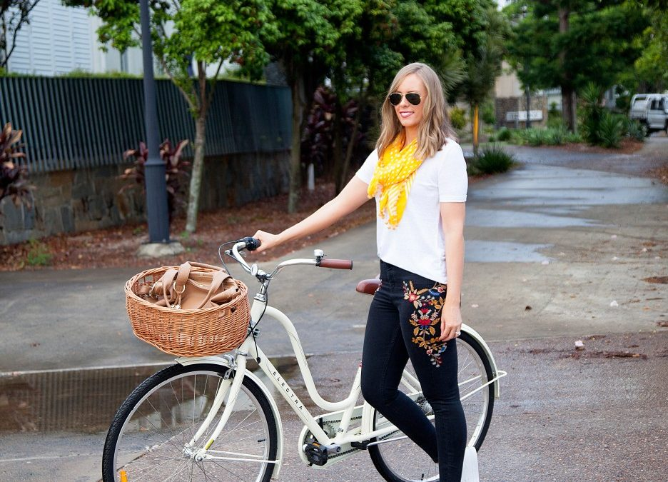 Style Sessions: Casual Outfit Ideas – White Tee and Embroidered Jeans