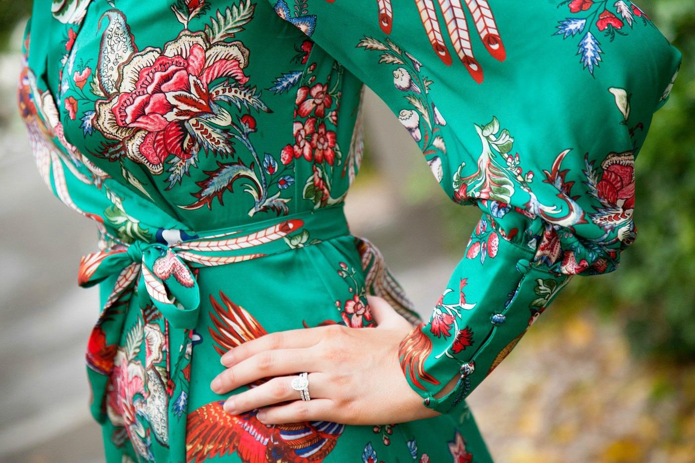 silk pajama print green emerald dress fashion blogger outfit ideas chanel flap handbag lauren slade style elixir 5.