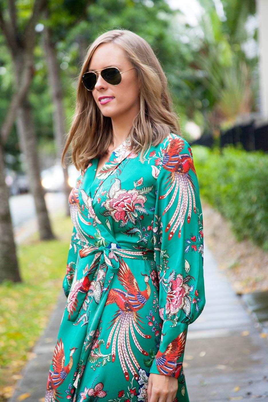silk pajama print green emerald dress fashion blogger outfit ideas chanel flap handbag lauren slade style elixir 6