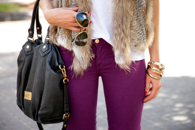Spring Outfit Fur Vest and White Tee tory burch jeans 4