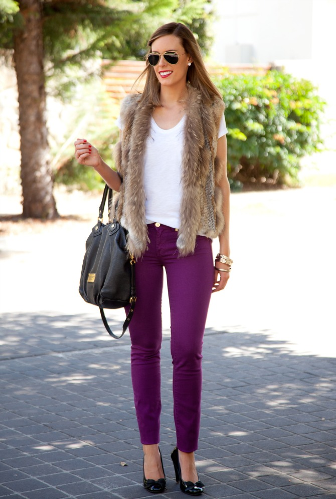Spring Outfit Fur Vest and White Tee tory burch jeans