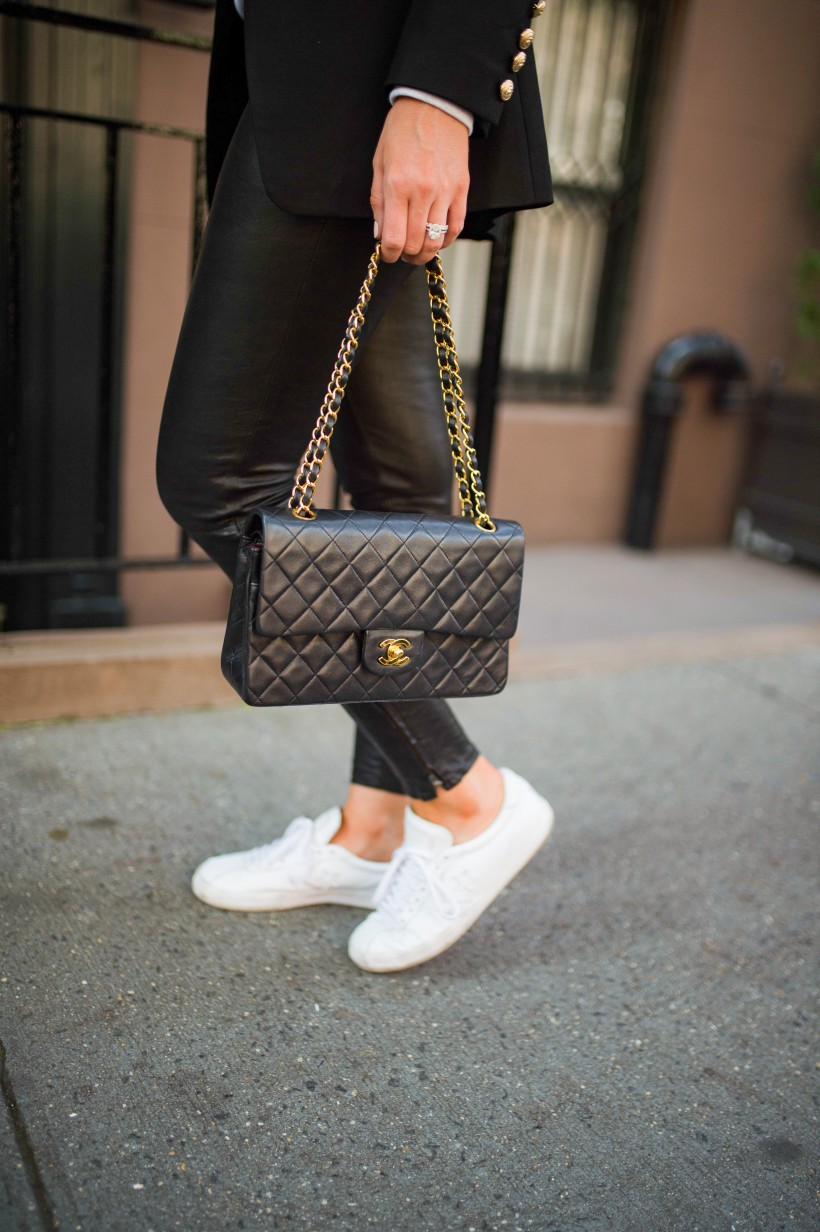 easy outfit ideas fall spring fashion outfit inspo blogger coffee wine sequin sweater leather pants balmain blazer white sneakers monochrome outfit cleine sunglasses 3