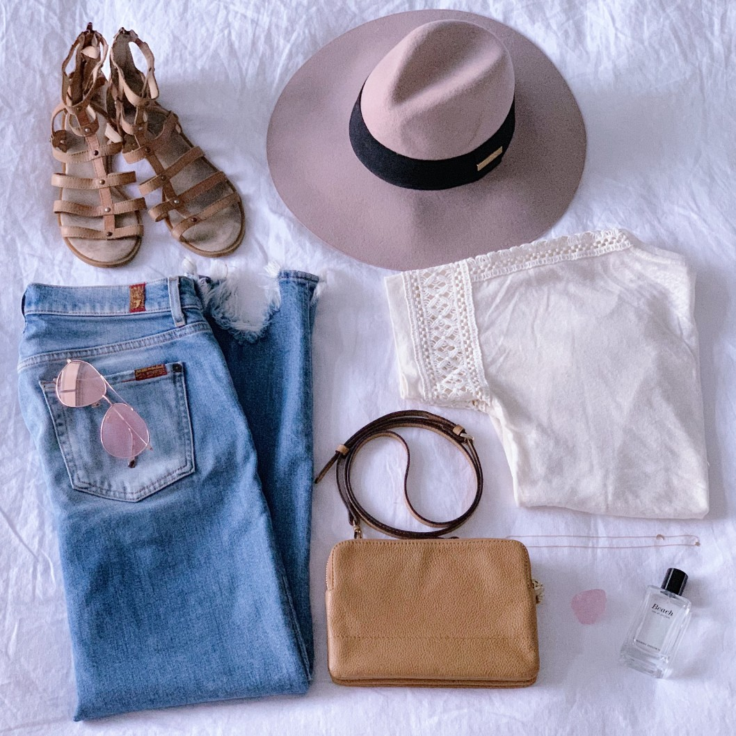 casual weekend outfit idea 7 for all mankind distressed ankle jeans floppy hat boho outfit ideas tan crossbody bag ariel gordon starry night necklace bobbi brown beach perfume 3