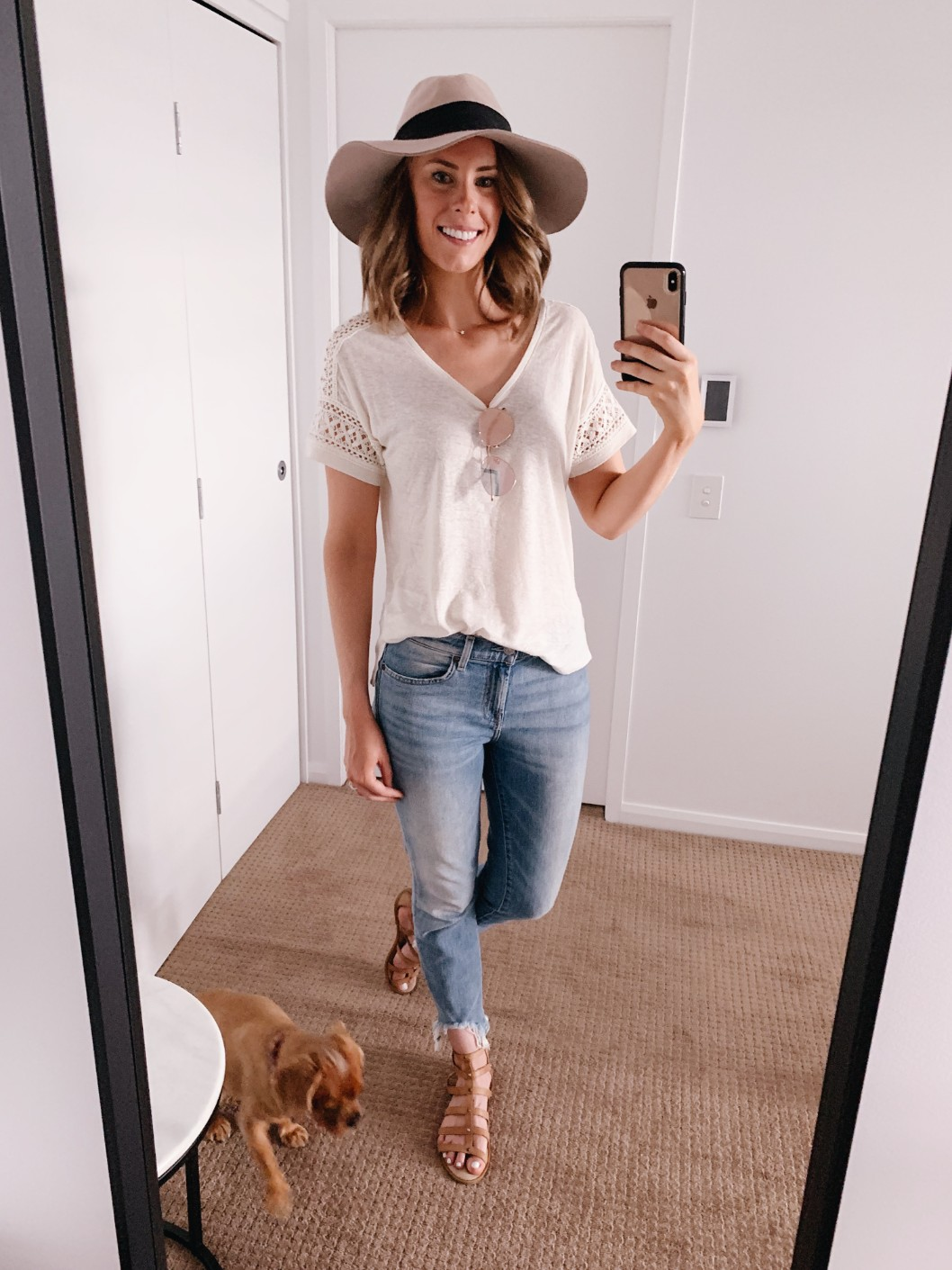 casual weekend outfit idea 7 for all mankind distressed ankle jeans floppy hat boho outfit ideas