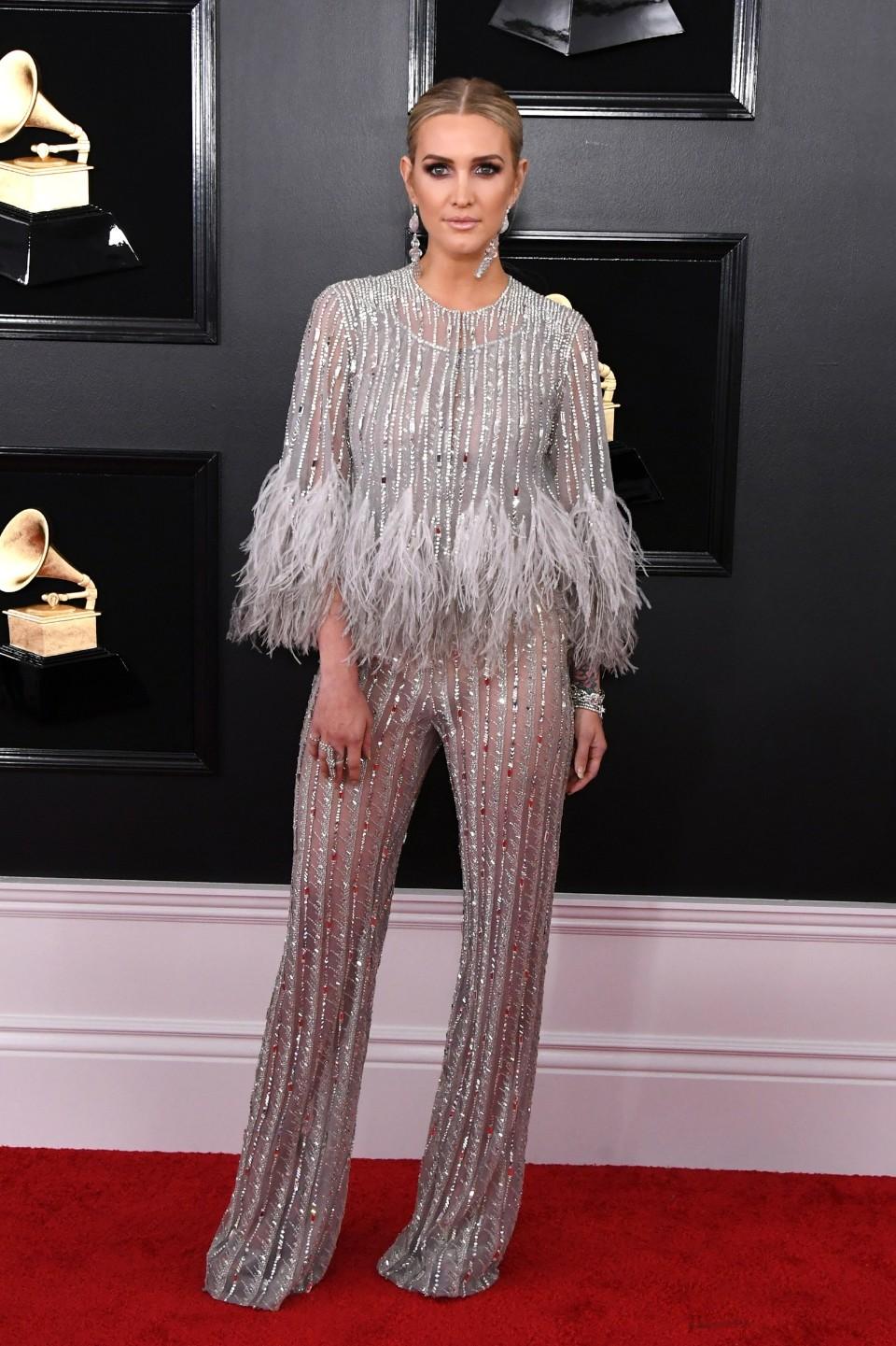 ashlee simpson grammy's 2019 fashion red carpet