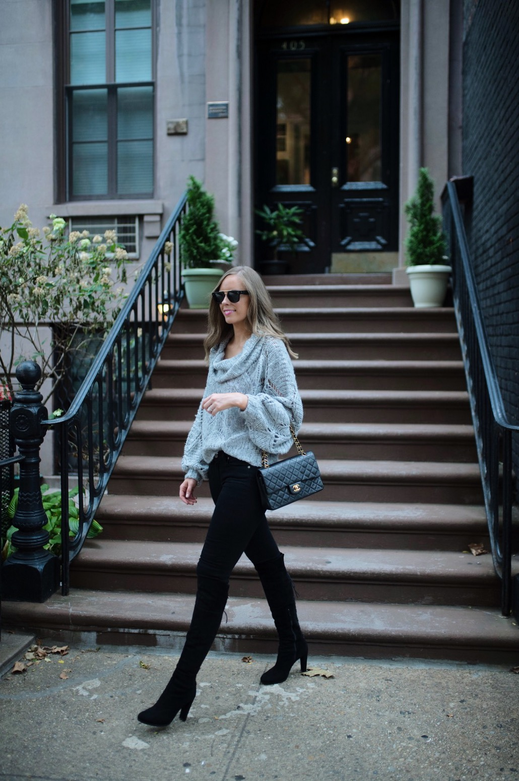 minimalist outfit style pinterest fashion ideas gray and black outfit blogger new york street style