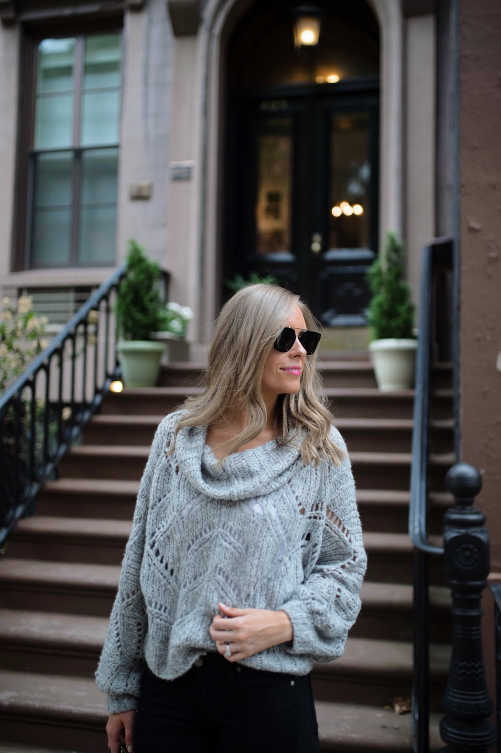 minimalist outfit style pinterest fashion ideas gray and black outfit blogger new york street style 5