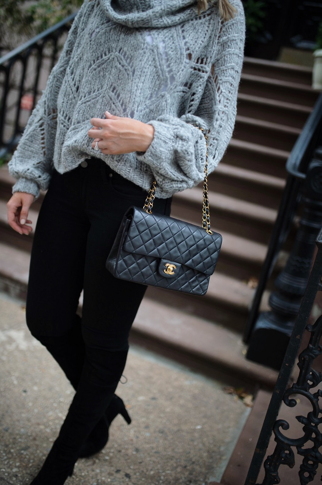 minimalist outfit style pinterest fashion ideas gray and black outfit blogger new york street style 6