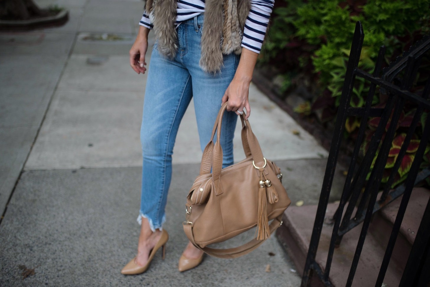 spring weekend outfit idea fur vest navy stripe jcrew top blue ripped jeans 7 for all mankind nude heels blog new york style elixir fashion blogger lauren slade 11