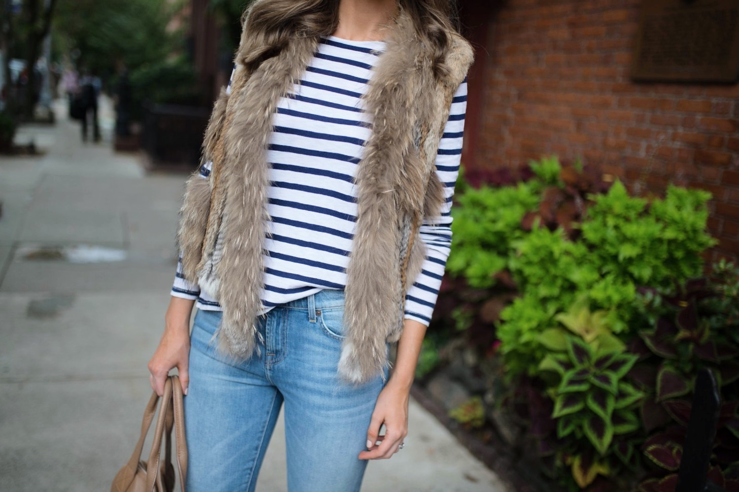 spring weekend outfit idea fur vest navy stripe jcrew top blue ripped jeans 7 for all mankind nude heels blog new york style elixir fashion blogger lauren slade 12