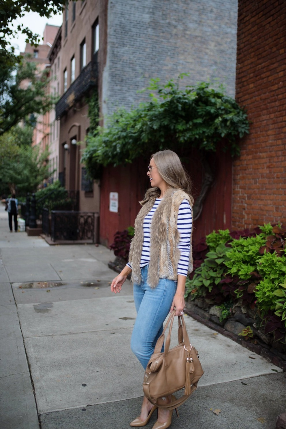 spring weekend outfit idea fur vest navy stripe jcrew top blue ripped jeans 7 for all mankind nude heels blog new york style elixir fashion blogger lauren slade 6