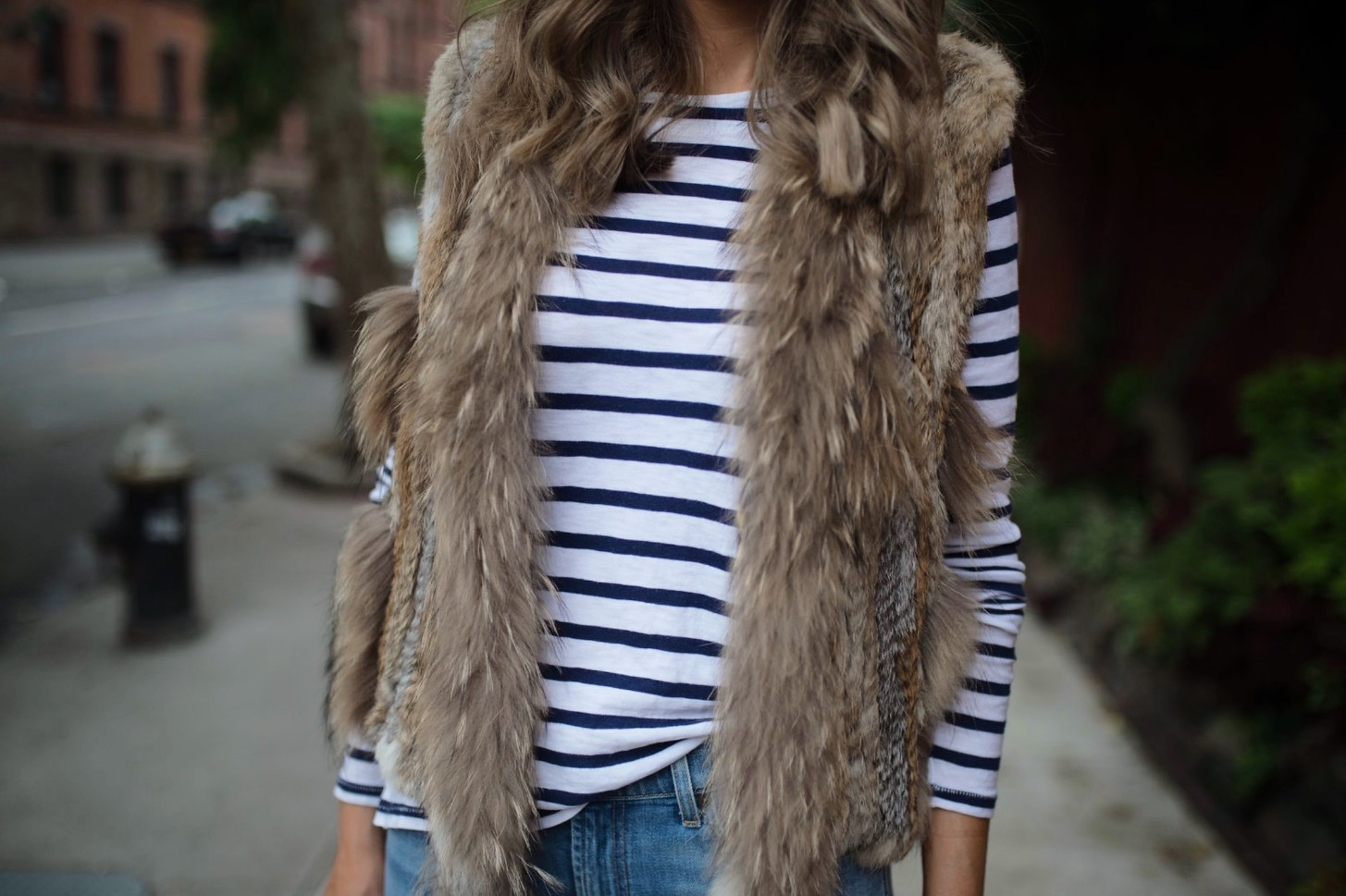 spring weekend outfit idea fur vest navy stripe jcrew top blue ripped jeans 7 for all mankind nude heels blog new york style elixir fashion blogger lauren slade 5