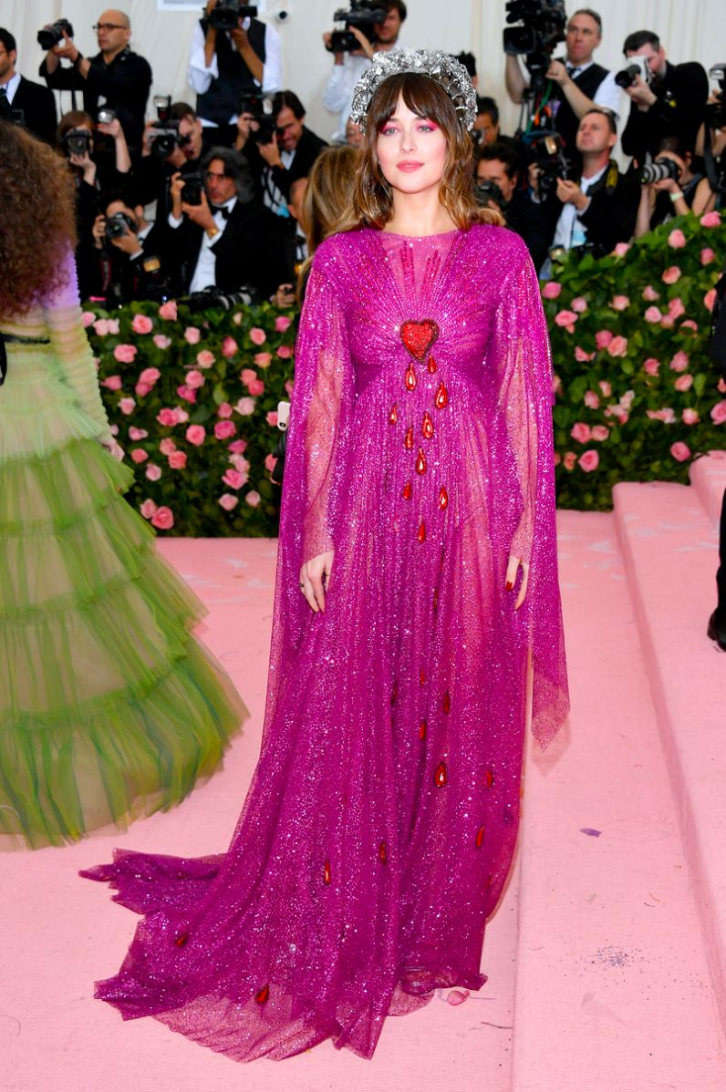 Dakota Johnson met gala 2019