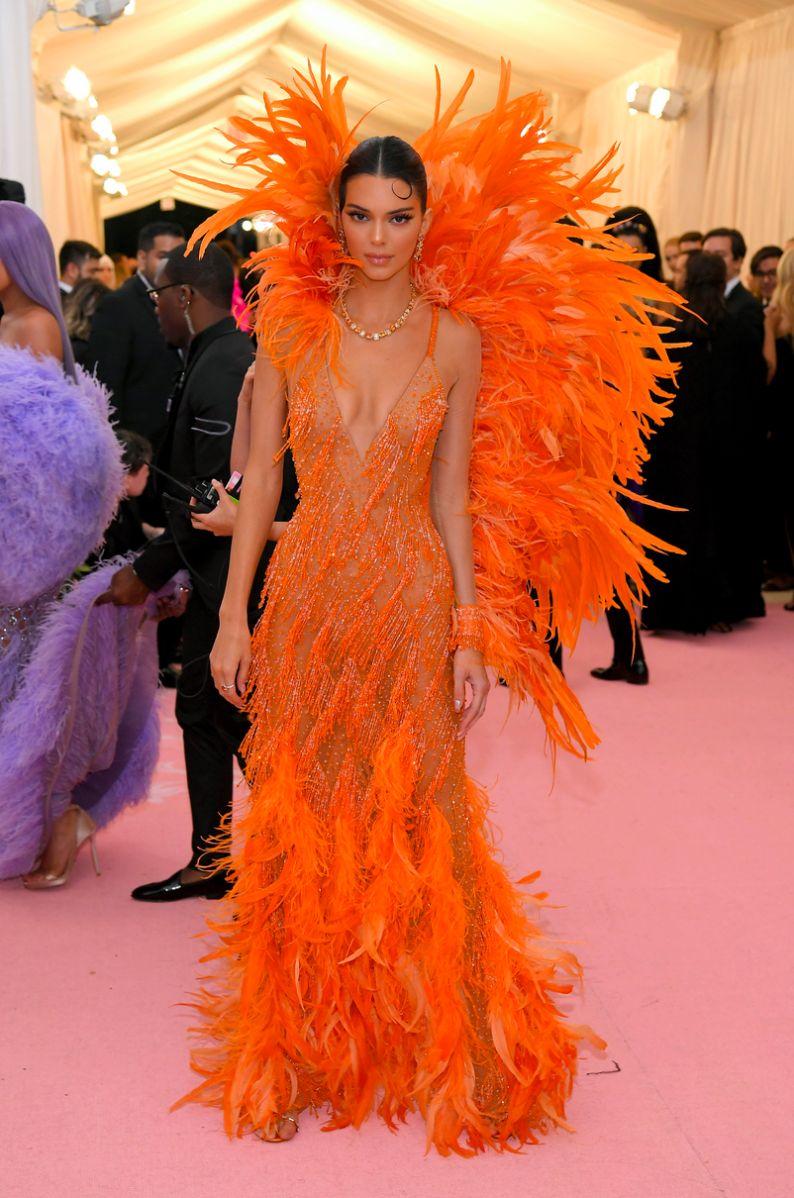 Kendall Jenner met gala 2019 fashion