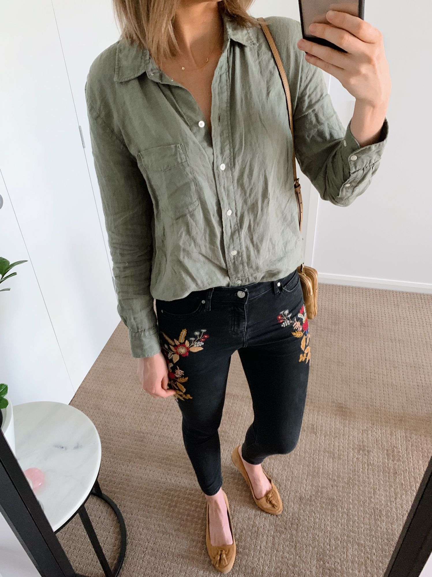 olive green linen shirt and embroidered topshop jeans fashion blogger outfit ideas pinterest boho outfit style lauren slade top usa blog